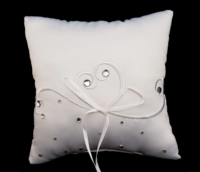 BR-9038B White Ring Pillow with Embroided Hearts and Rhinestone 8.50