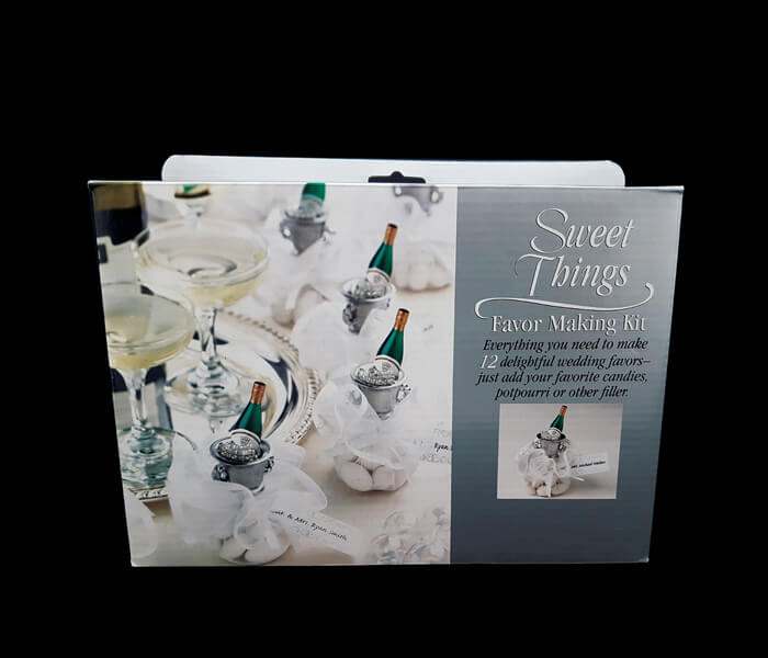 1006-227 Bomboniere champagne Bottle 12pce 11cm comes with name tags, ribon _ tulles lollies not included 1.25per piece 15.00 per pack (12)