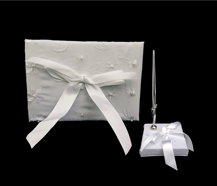 120-1027 Guess Book and Pen White Embroided flowers and pearls 20.00