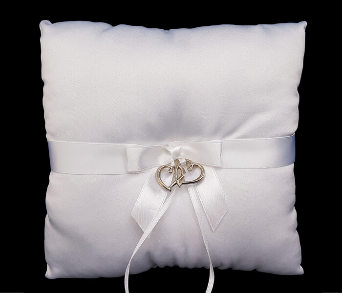 120-792 IV Ivory 120-792 White Ring Pillow with double heart 8.50