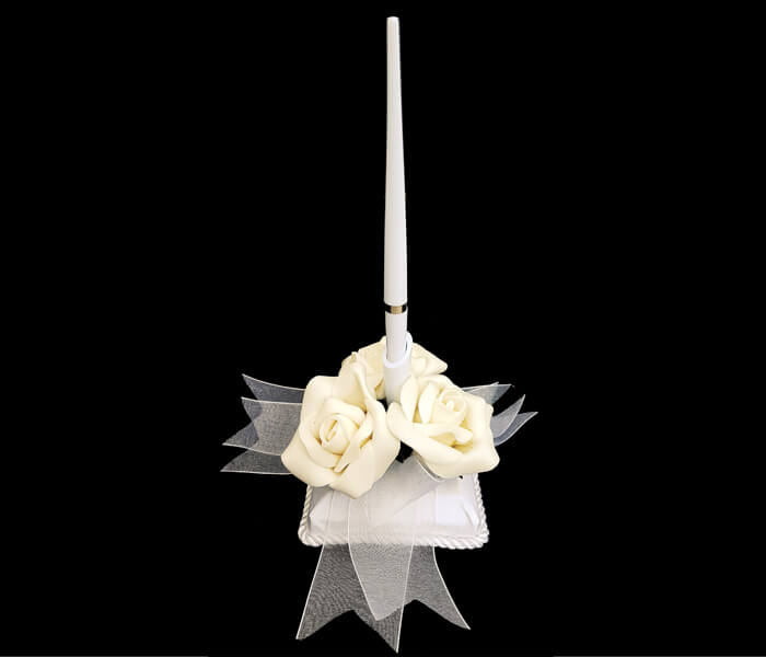BR-2964 Pen with 3 Ivory roses on Base 13.95